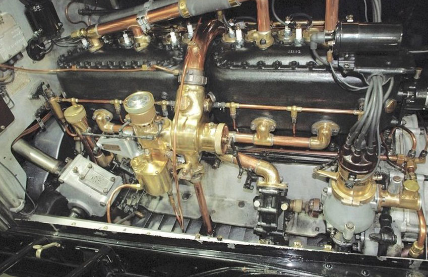 Rolls Royce Silver Ghost Engine.